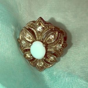 Vintage 925 Mother of pearl w/ diamond accent ring